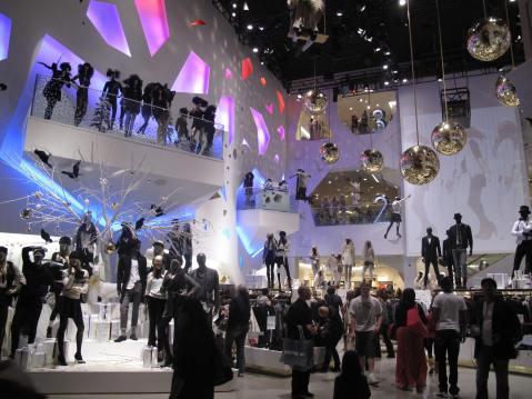 H&M, Caesars Palace, Las Vegas