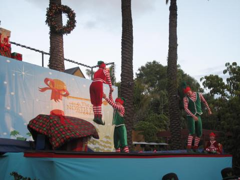 Jungle Bells and The Elves - San Diego Zoo