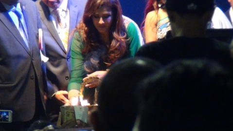 Raveena Tandon lighting the lamp at the Indian Independence Day Celebration